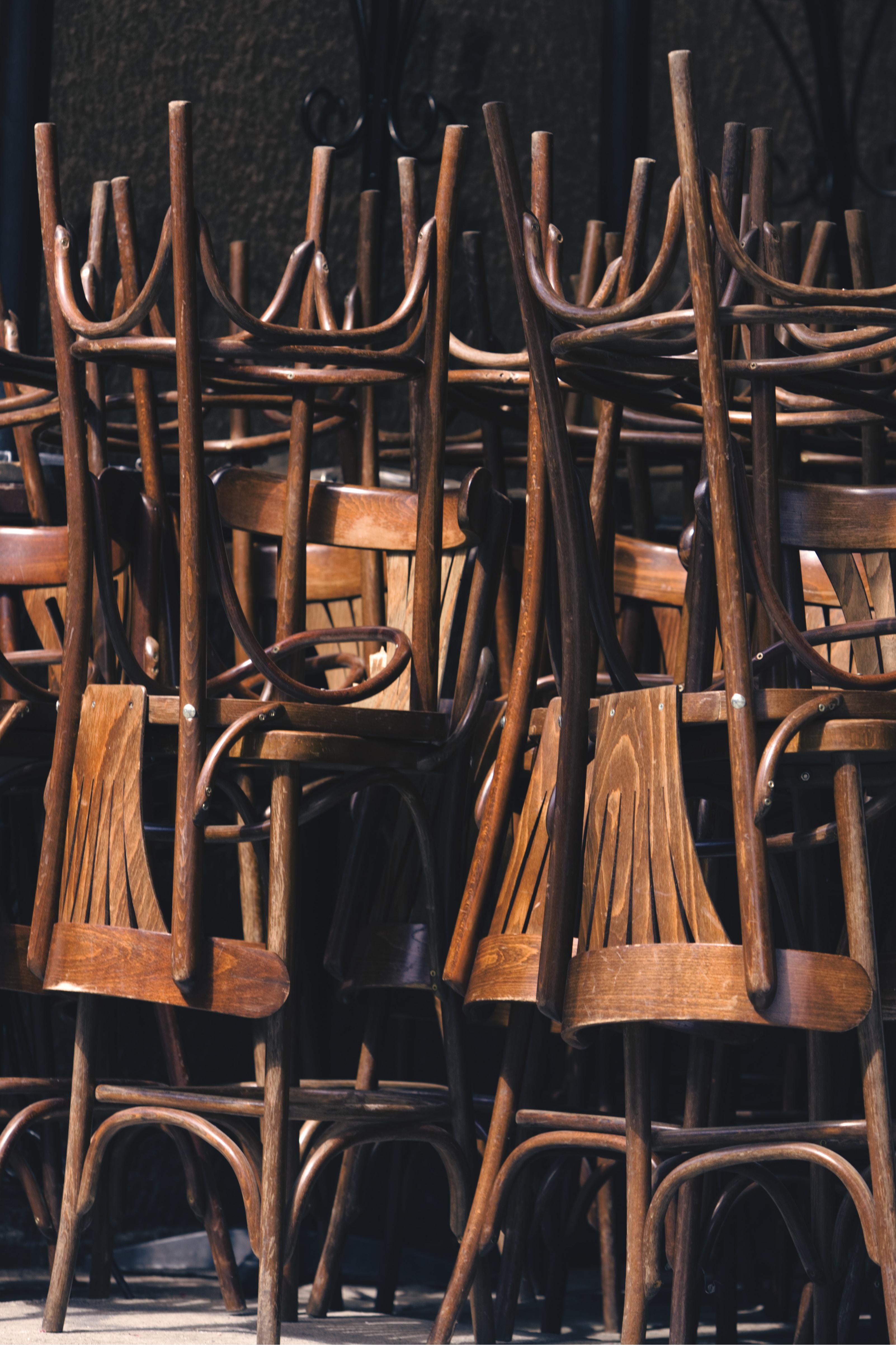 Sedie E Tavoli Manzano s.e.t.a. s.r.l. – produzione di sedie, tavoli e complementi